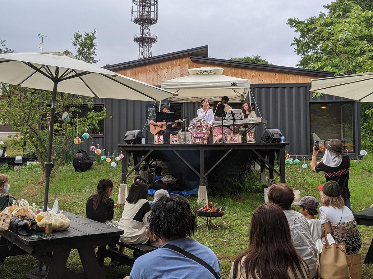 桜林茶寮で開催された音楽イベント「夏の音 星の音」
