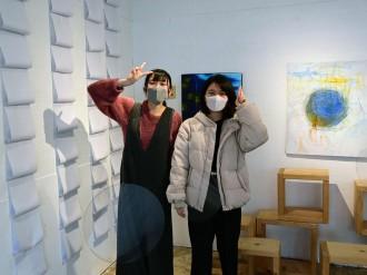 弘前の駅で女子高生5人がアートイベント「ぽん!」 コロナ禍でのリモート企画