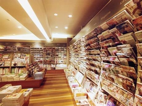 写真=同じような内装になるという「紀伊国屋書店」ゆめタウン博多店店内