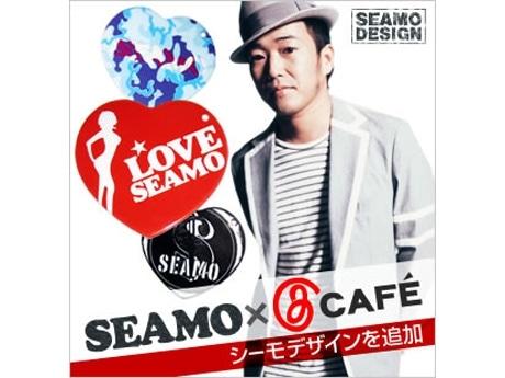 写真=J Cafe×SEAMOさんコラボストラップ告知