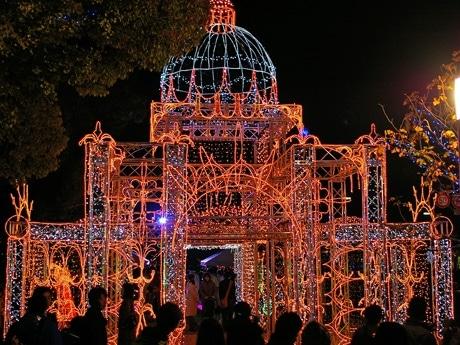広島クリスタルプラザ前に設置された「ピース城」