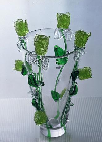 チェコの王宮建築家兼デザイナーのボジャク・シーペック氏による作品。写真は花瓶。