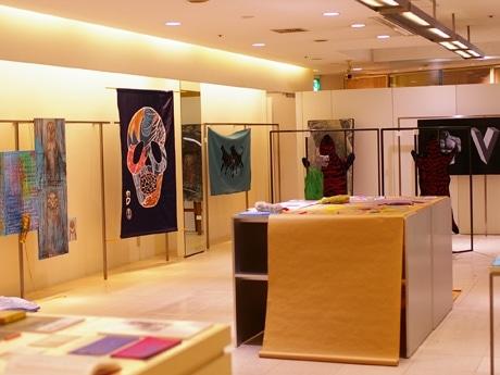 広島地下街シャレオのアパレル店後にオープンしたギャラリー「ギャラリーG+S」