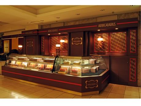 東京・日本橋高島屋にオープンした「アンビキャラムス」2号店。広島店のデザインもデザイナーの森田恭通さんが手がける。