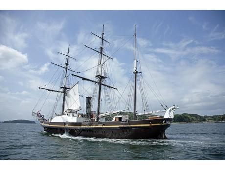 広島に初寄港する日本初の蒸気帆船「観光丸」(写真提供ハウステンボス)