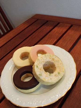 広島のバウムクーヘン専門店が販売を始めた「ドーナツ」タイプのバウムクーヘン