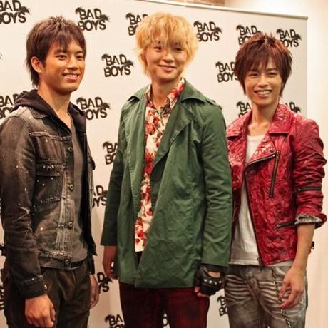 写真左から、映画「BADBOYS」主人公の三浦貴大さん、細田よしひこさん、鈴木勝吾さん。