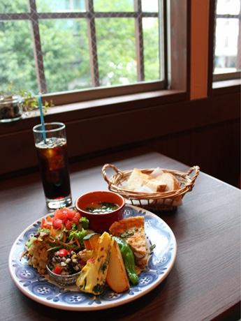 カフェ「ソリーゾ」で提供するランチプレート