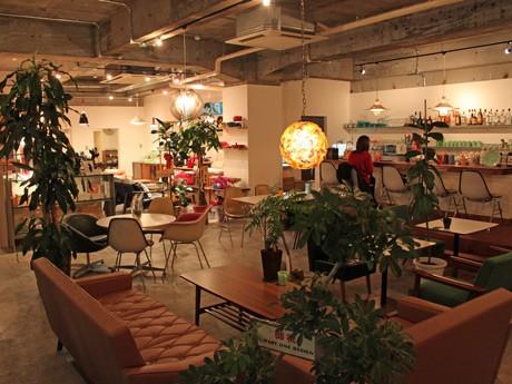 インテリアとカフェの融合店「collect with Cafe」のカフェスペース