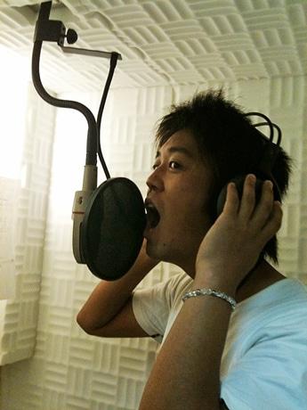 100人の歌声を集めた「夢色」の作詞作曲を手がけるシンガーソングライター「happy place」こと福場良輔さん