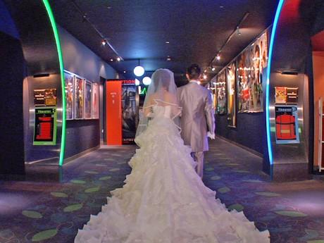 広島府中ソレイユ内のシアター「バルト11」では通年で「シネマウエディング」が開催される