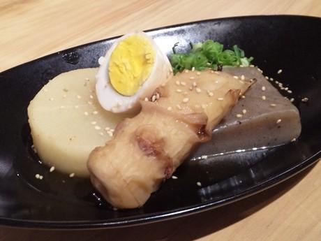お好み焼きのソースとおでんをコラボさせた「広島ソースおでん」