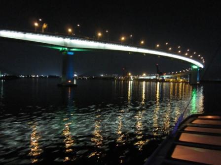広島湾ナイトクルージングフォトコンテストも同時開催する。写真=2010年グランプリ作品。