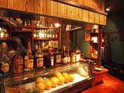 広島にカレーが名物の飲食店「カレー&バー外国」-横川シネマ前に開く