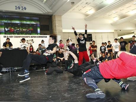 昨年までは、JR広島駅前のエールエール地下広場で開いたダンスコンテスト