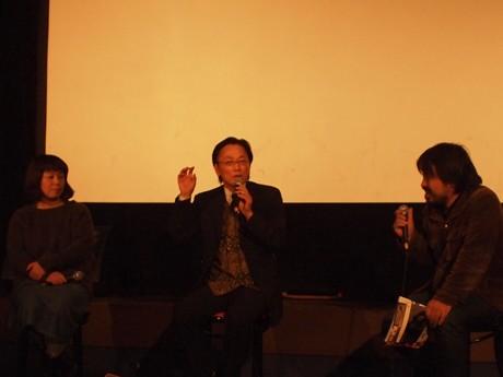 写真右から、溝口さん、住岡さん、松冨さん。ローカルな映画館の状況に合わせて、近年の変化や今後の展望を語った。