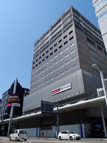広島中央通りに建築が進む広島ワシントンホテル外観