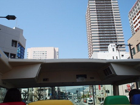 2階建てオープンバスからの眺め