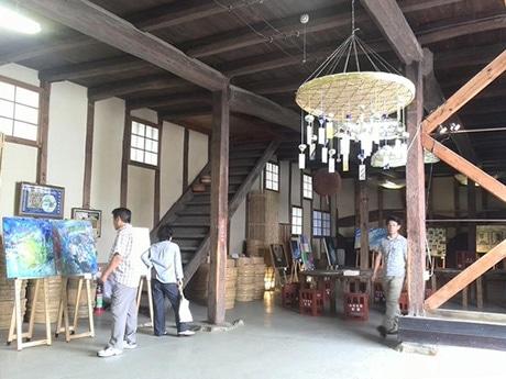 賀茂鶴酒造で展示するアート作品