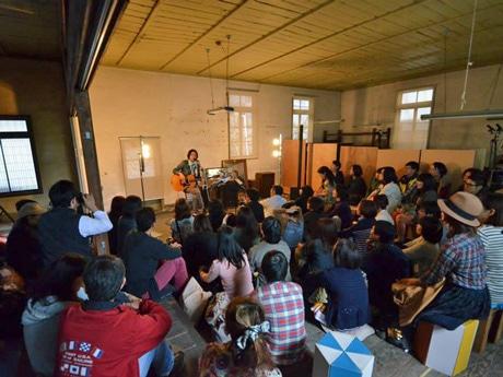 昨年開いた高野寛さんによるライブ
