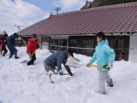スキー場も多い広島・安芸太田町での雪かき体験