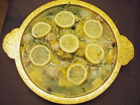 「純金すき焼き鍋」で作った広島レモン鍋