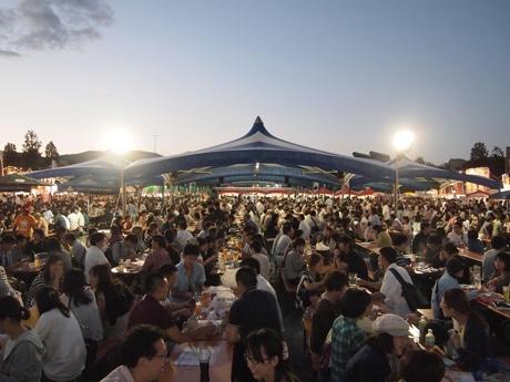 旧広島市民球場跡地で昨年開いたイベントの様子
