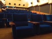 広島の映画館「サロンシネマ」が座席シートリニューアル マルニ木工が製作
