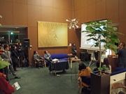 広島で家具メーカー「マルニ木工」インテリア展 ストーリー性を持たせ、代表作紹介