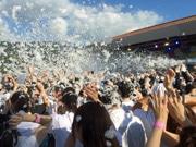 広島・呉ポートピアパークで「泡フェス」 2日間に拡大、巨大泡スライダーも