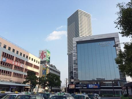 JR広島駅南口から徒歩1分の距離に位置する「エキシティヒロシマ」外観