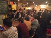 広島の酒販店が一夜限りの出張バー 「新潟」テーマに、日本酒や国産ワイン提供