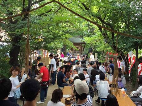 横川胡子神社でビアガーデンと野外音楽フェスを同時開催する