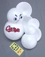 カープ坊やの顔とカープのロゴが入った発泡スチロール製の「雪だるま製造容器」