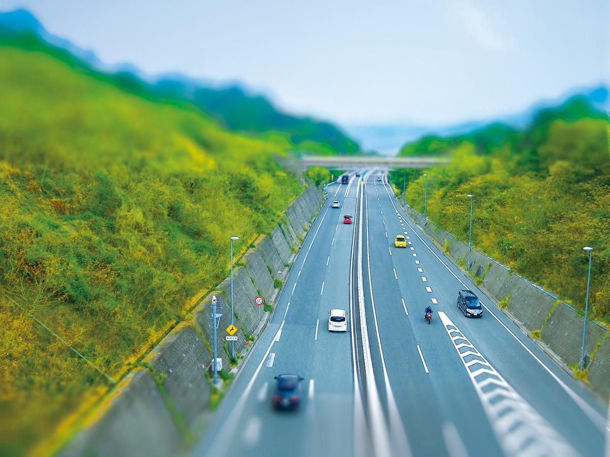 広島で初めての都市高速道路として1997年に開通した「広島高速道路」