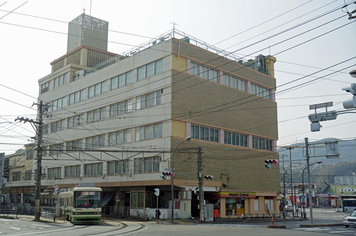 1964(昭和39)年にオープンした「ひろでん会館」外観
