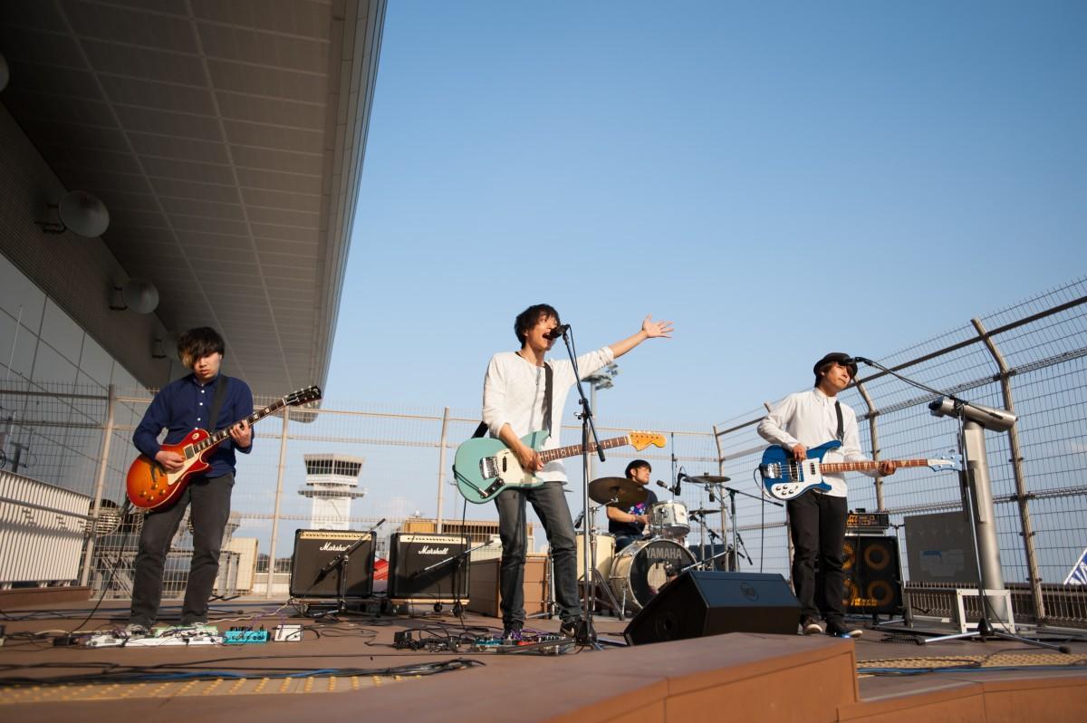 広島空港の展望デッキで昨年開いた音楽コンテスト