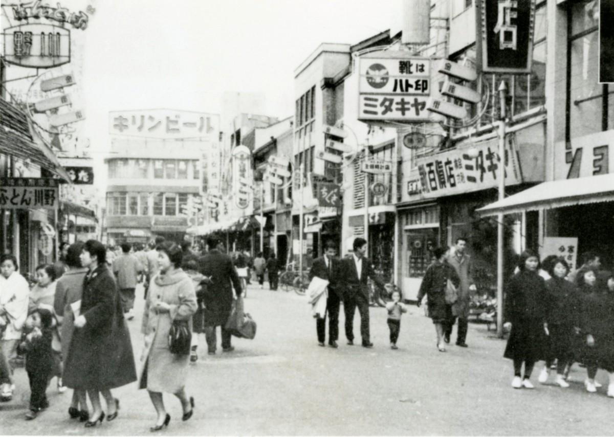 1959年頃の広島市内。奥に見えるのがキリンビアホール
