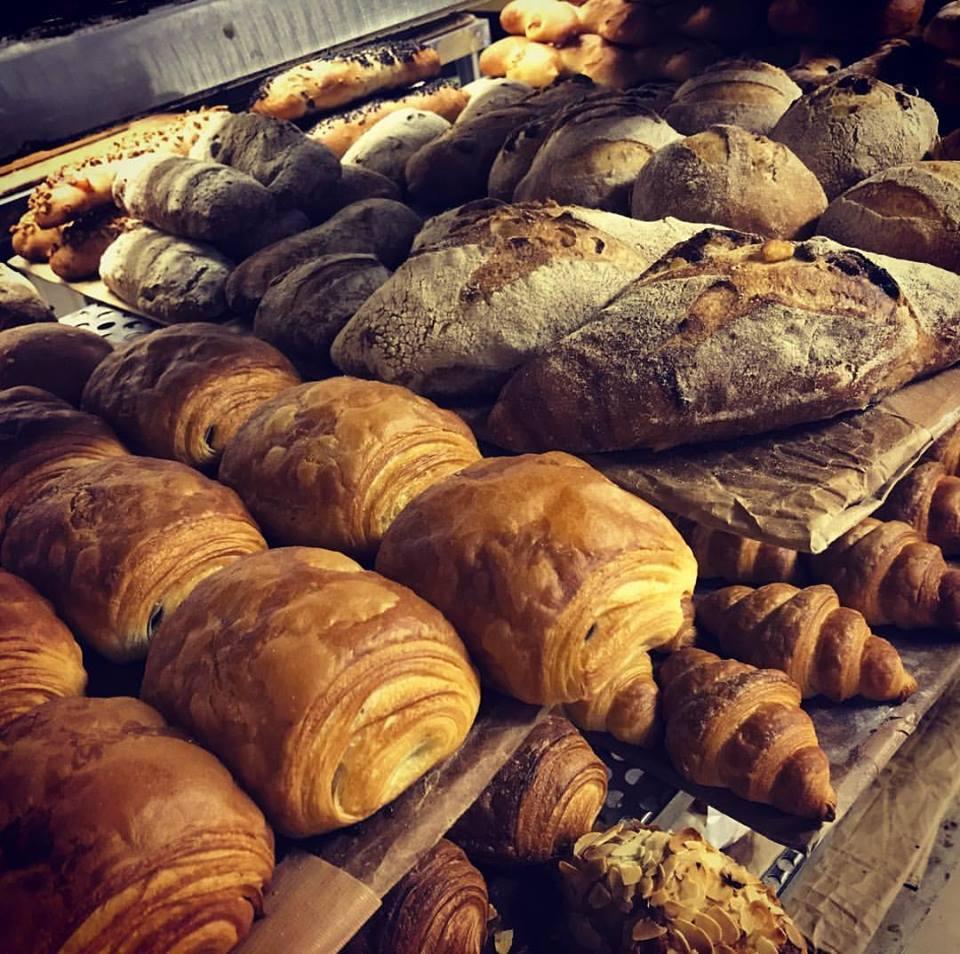 岐阜県のパン店「Bouranger (ペイザン)」も出店する