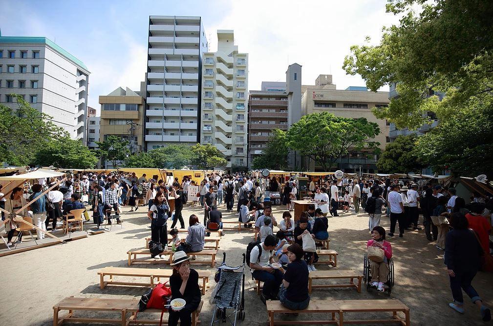 広島市中心部の公園で開く「蚤の市」形式のイベント