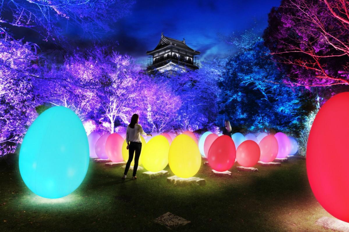 広島城を光の空間に仕上げるアート展「チームラボ 広島城 光の祭」イメージ