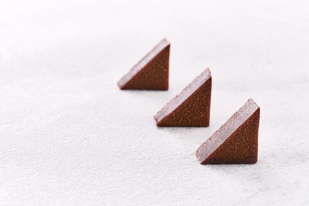 広島県産のカキを使ったチョコレート「ショコラクリュ ユイトル」