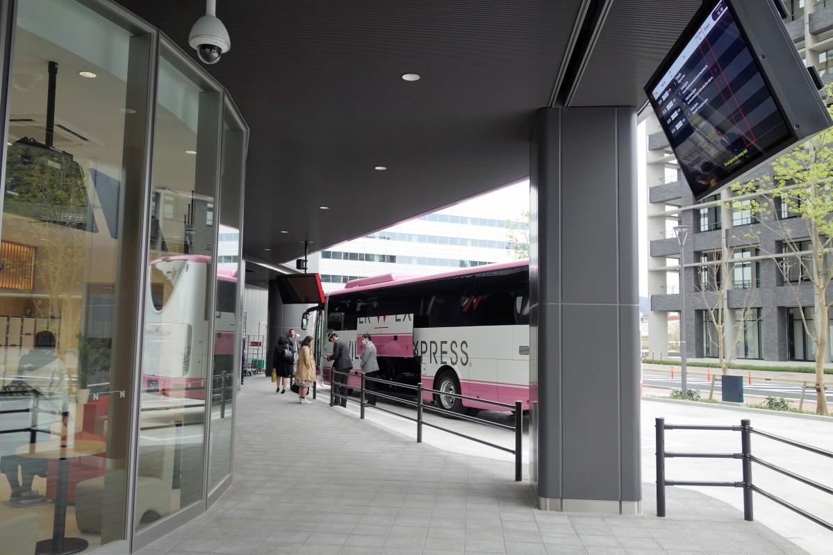 広島テレビとの間にある有効空地からアクセスできるバスセンター