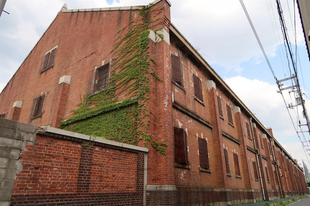 広島市南区にある「旧広島陸軍被服支廠倉庫(ひふくししょうそうこ)」外観