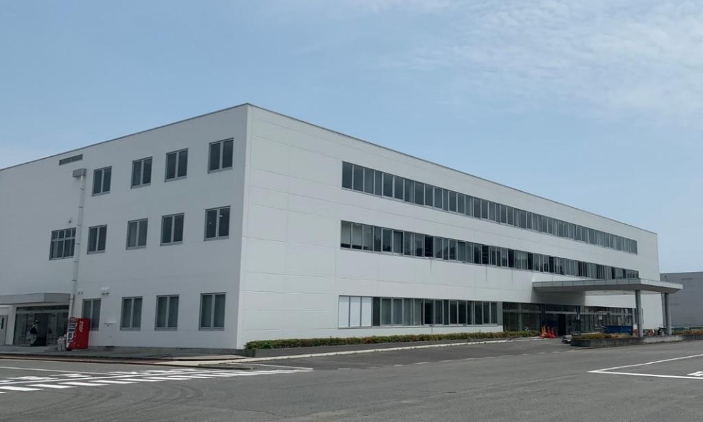 三原市内に新設したコカ・コーラボトラーズジャパン広島工場外観