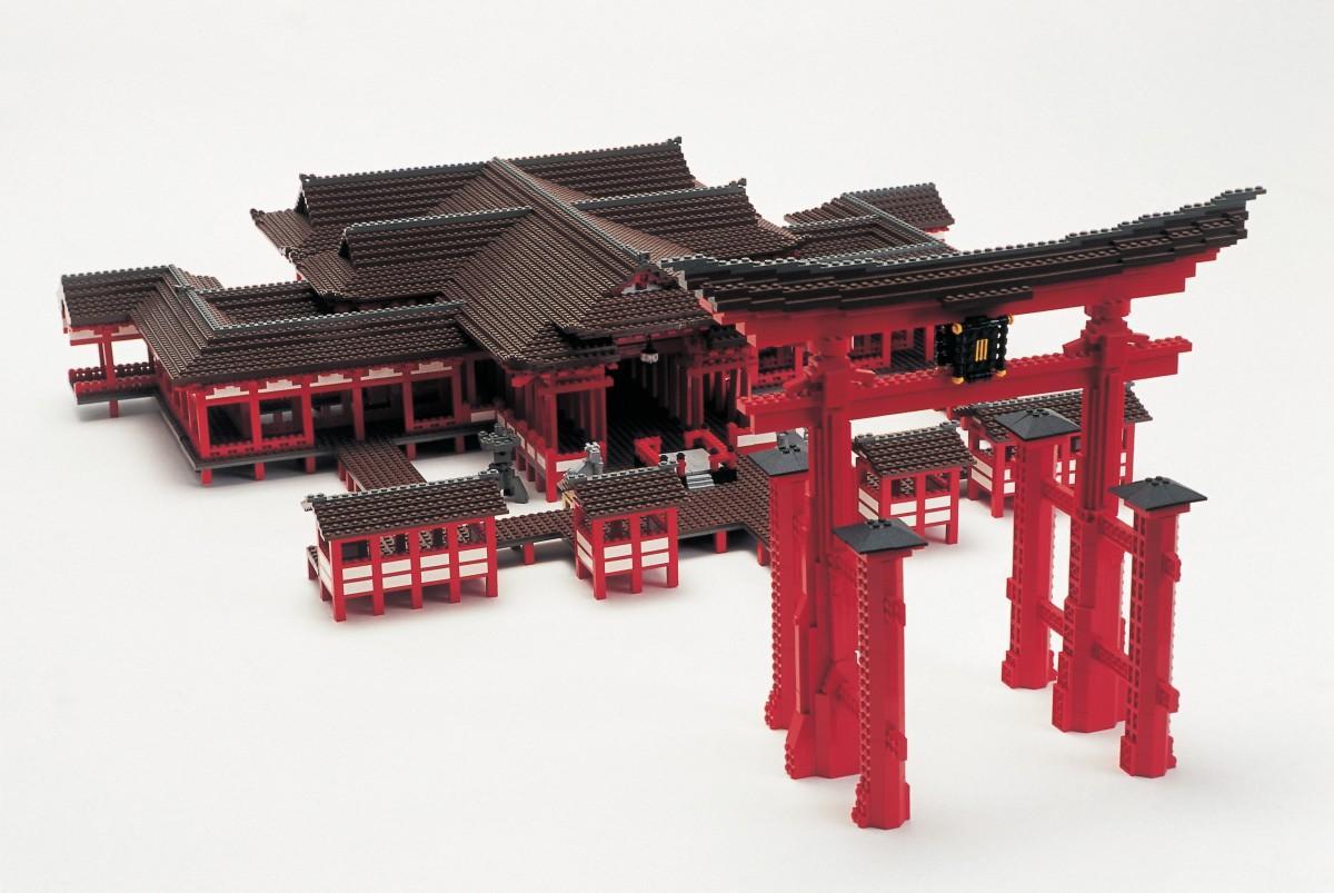 レゴブロックで作った広島・宮島の厳島神社©PIECE OF PEACE LEGO, the LEGO logo and Minifigure are trademarks of the LEGO Group. ©2020 The LEGO Group.