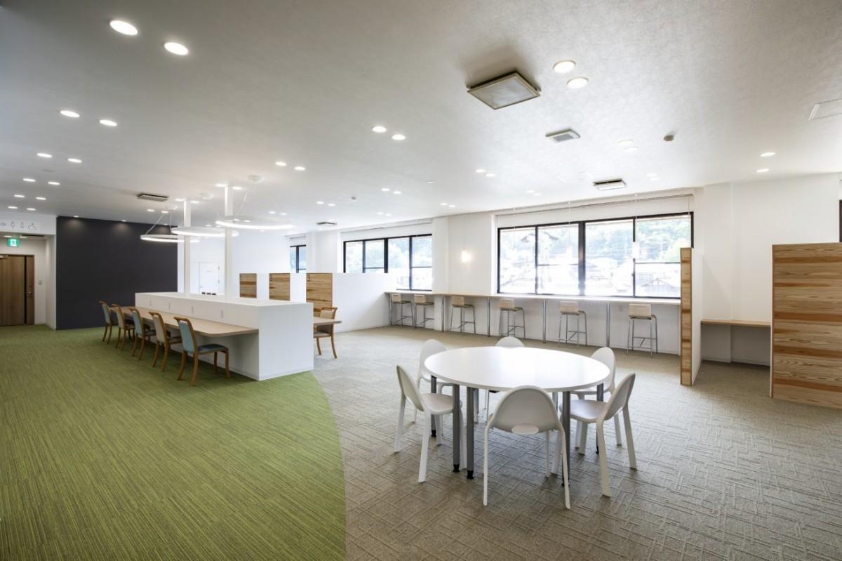 LIGがJR向原駅に開設したコワーキングスペース「いいオフィス安芸高田」