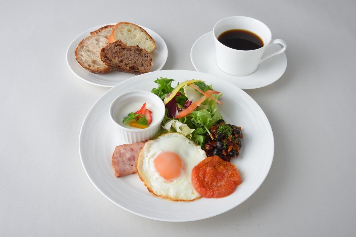 12月5日から提供を開始する朝食メニュー「アンデルセンモーニングプレート」(1,320円、税別)