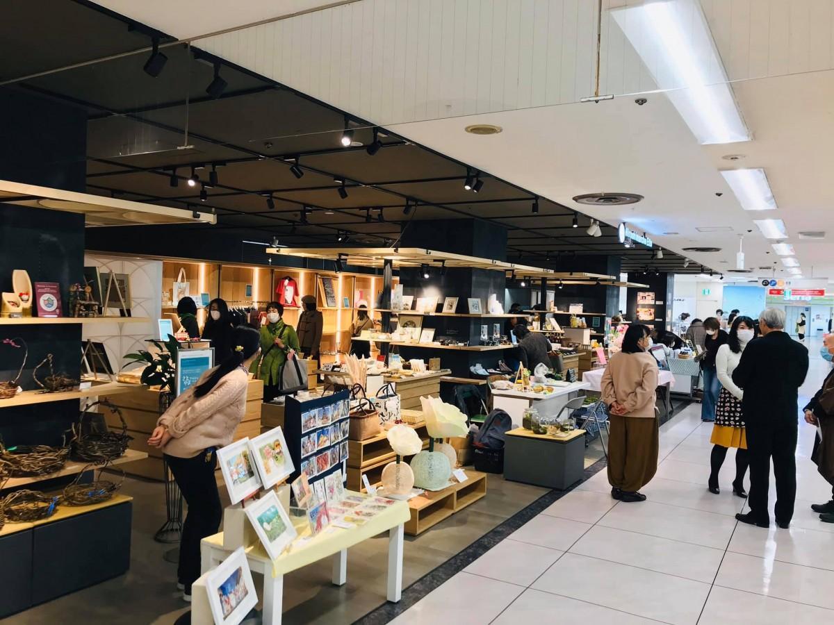 昨年、そごう広島店で初開催した「さとやまマルシェ」の様子