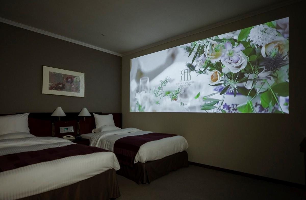 リーガロイヤルホテル広島がアンカー・ジャパンと協業した宿泊プラン「おこもりシアター&ステイ」の販売を始める